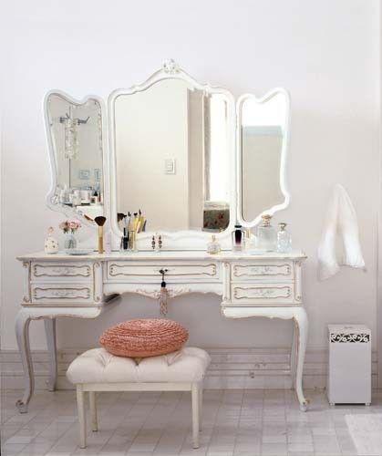 Beauty station vintage bedroom pinterest schminktisch m bel and tisch - Begehbarer kleiderschrank mit schminktisch ...