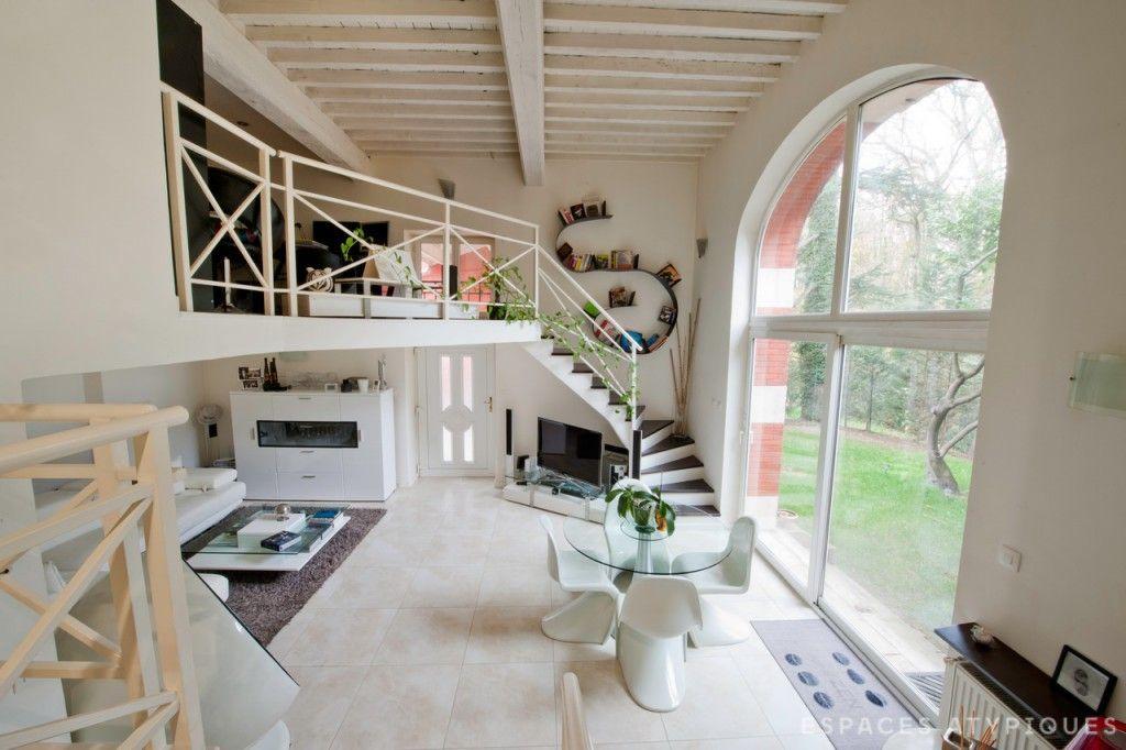 lyon ancienne curie r nov e avec jardin espaces atypiques lyon pinterest lyon. Black Bedroom Furniture Sets. Home Design Ideas
