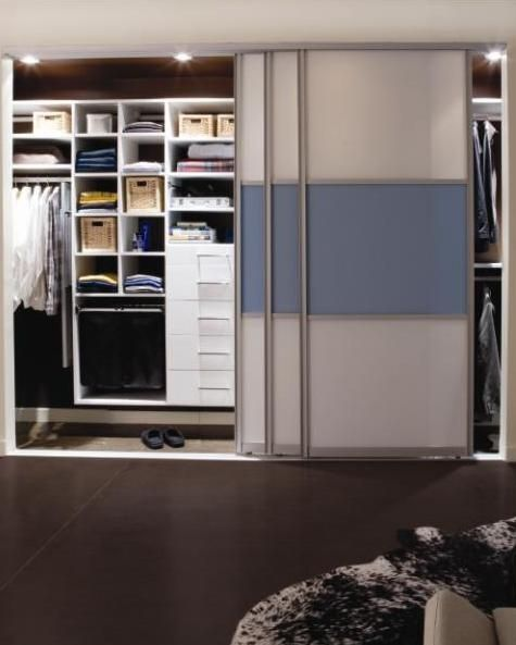 California Closets Door Styles Reach In Closet With Sliding Doors