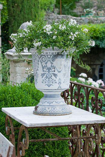 ♔ French butcher table Luberon Gardening \ Gardens Pinterest - maceteros para jardin