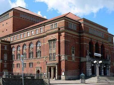 Kiel Opera House With Images House Opera House House Styles