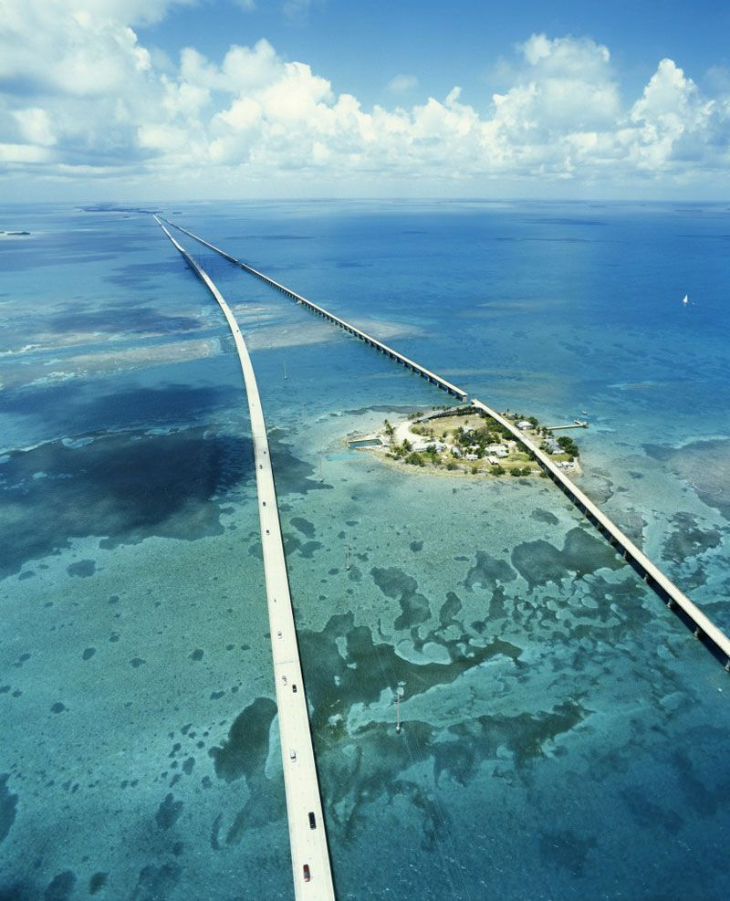 The Seven Mile Bridge Is A Famous Bridge In The Florida Keys In - Longest bridge in the usa