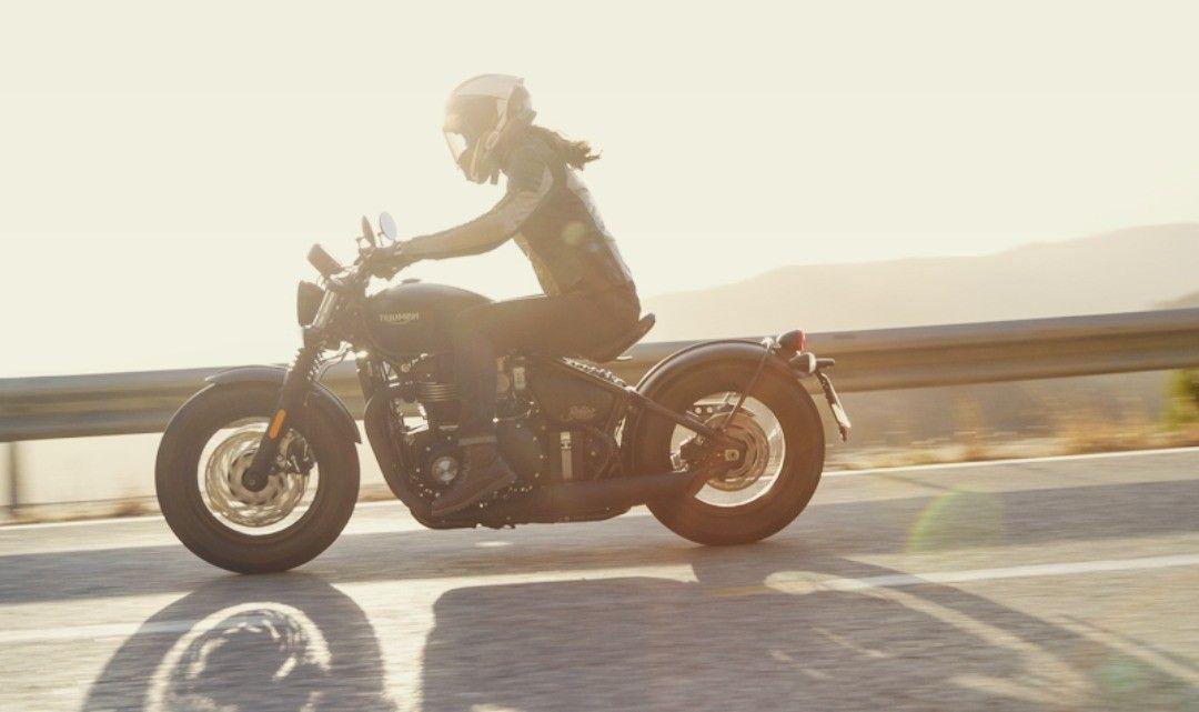 Ghim trên Triumph Bobber Black motorcycle