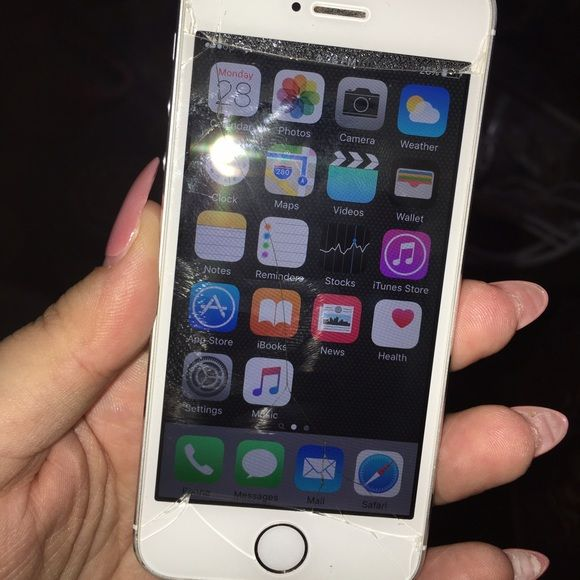 iPhone 5s 16gb for Sprint - Unlocked iPhone 5s 16gb for Sprint - Unlocked - Cracked Screen - Fully Functional - Good Working Condition - NO TRADES! - SERIOUS BUYERS ONLY! ACCEPTING BEST OFFERS  Apple Other