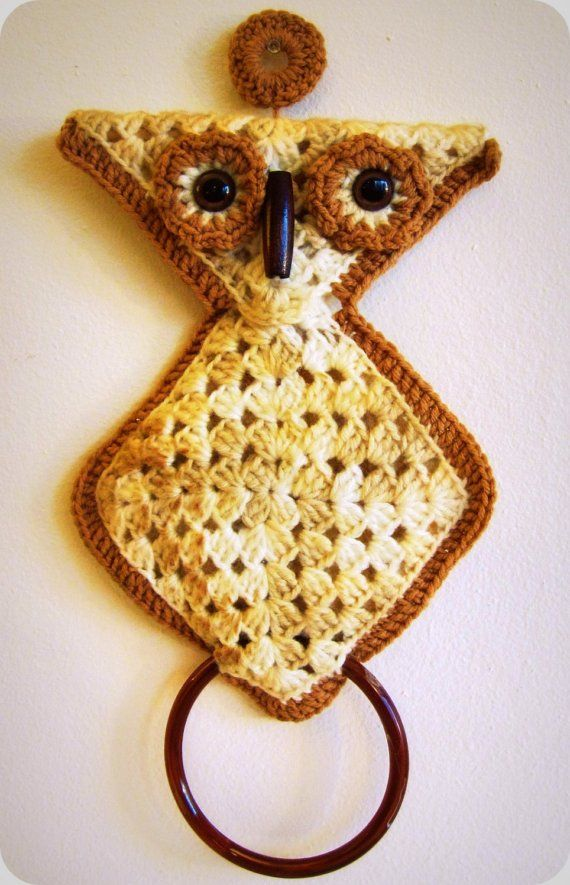 Vintage 70s Crochet Owl Towel Holder With Ring Kylpyhuonekeitti