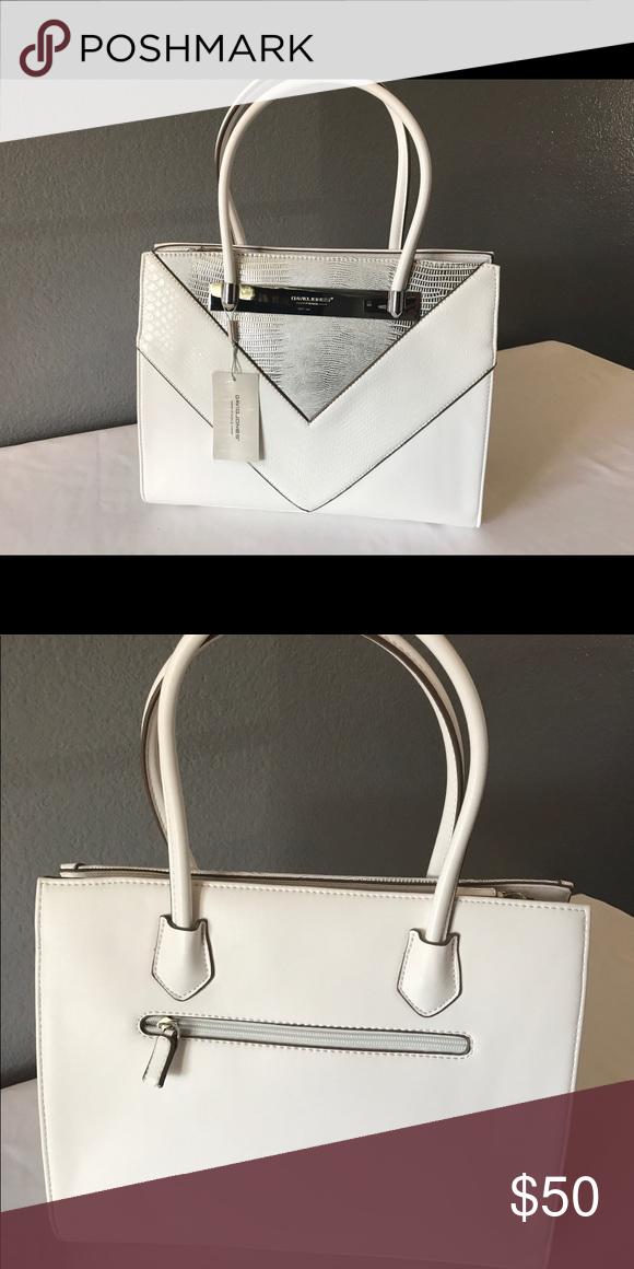 c9e2649f3e64 Brand New David Jones Collection Handbag Brand new white David Jones  Collection Handbag with straps included Bags  davidjoneshandbags   eveningbagsdavidjones ...
