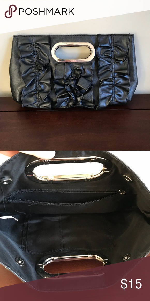 Vintage Black Clutch Black vegan clutch, with a unique gathered pattern on  the front part of the purse. Good used condition. A few subtle scratch  marks on ... 95f6c5742f
