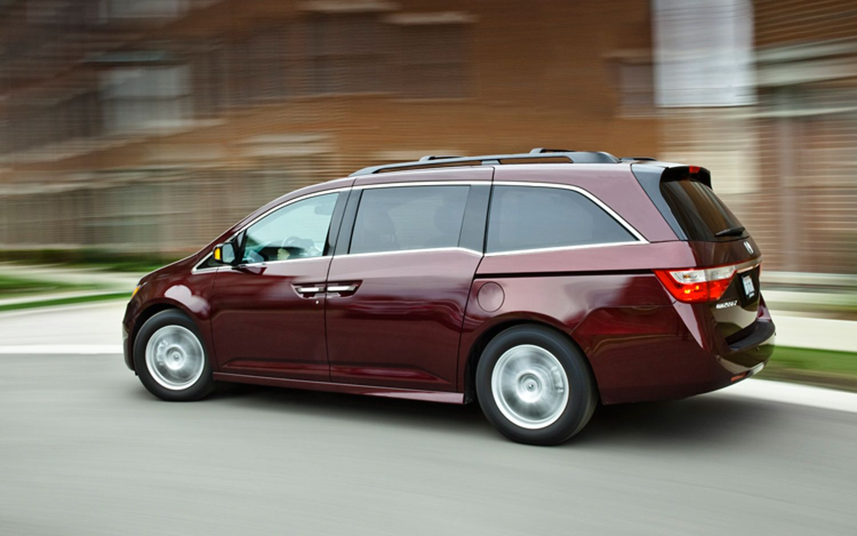 2011 Honda Odyssey Touring Elite - my new baby - only she's black