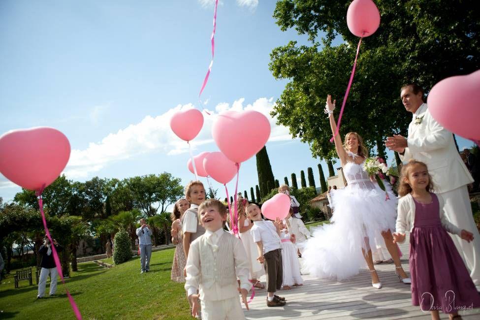 lcher de ballon crmonie de mariage lubron photos olivia blanquet domaine des andols www - Lacher De Ballon Mariage