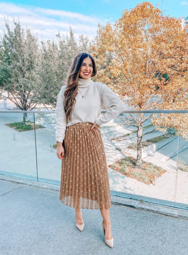 5 Beautiful Holiday Outfits - Southern Sophisticat