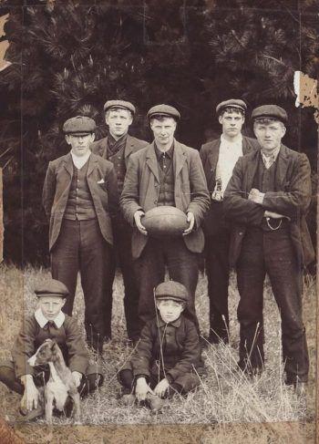 1920's Teenagers Men's Fashion - Suit, Shoes, & Ha