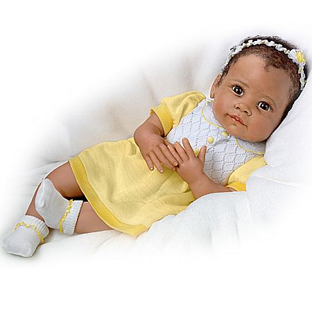 Baby Doll: Ava's Look Of Love