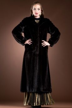 Ranch Mink Fur Coat-Wing Collar & Banded Cuffs