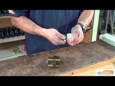 Using a Marking Gauge