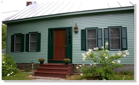 Dark green trim light green body exterior inspiration pinterest exterior paint trim and - White house green trim ...