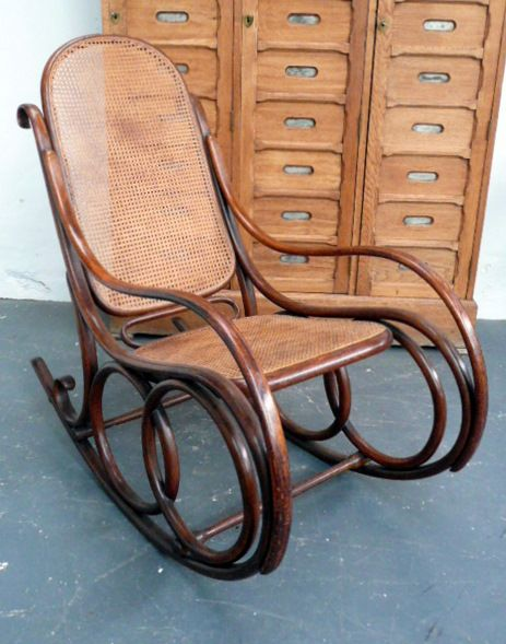 Charming Original Thonet Steamed Bentwood Rocking Chair, No 4 C.1900