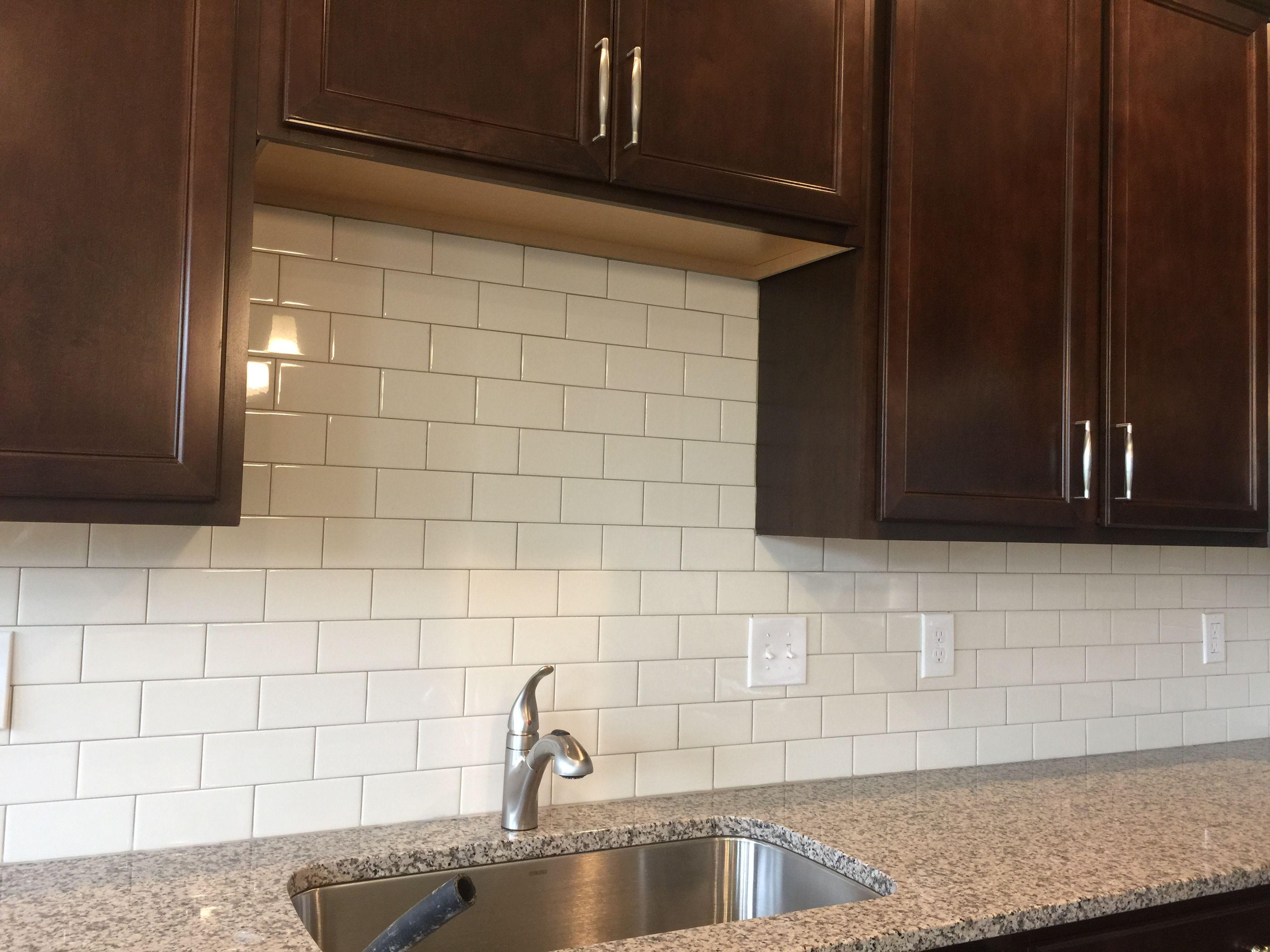 Rittenhouse Biscuit 3x6 Subway Tile Brick Joint Backspalsh