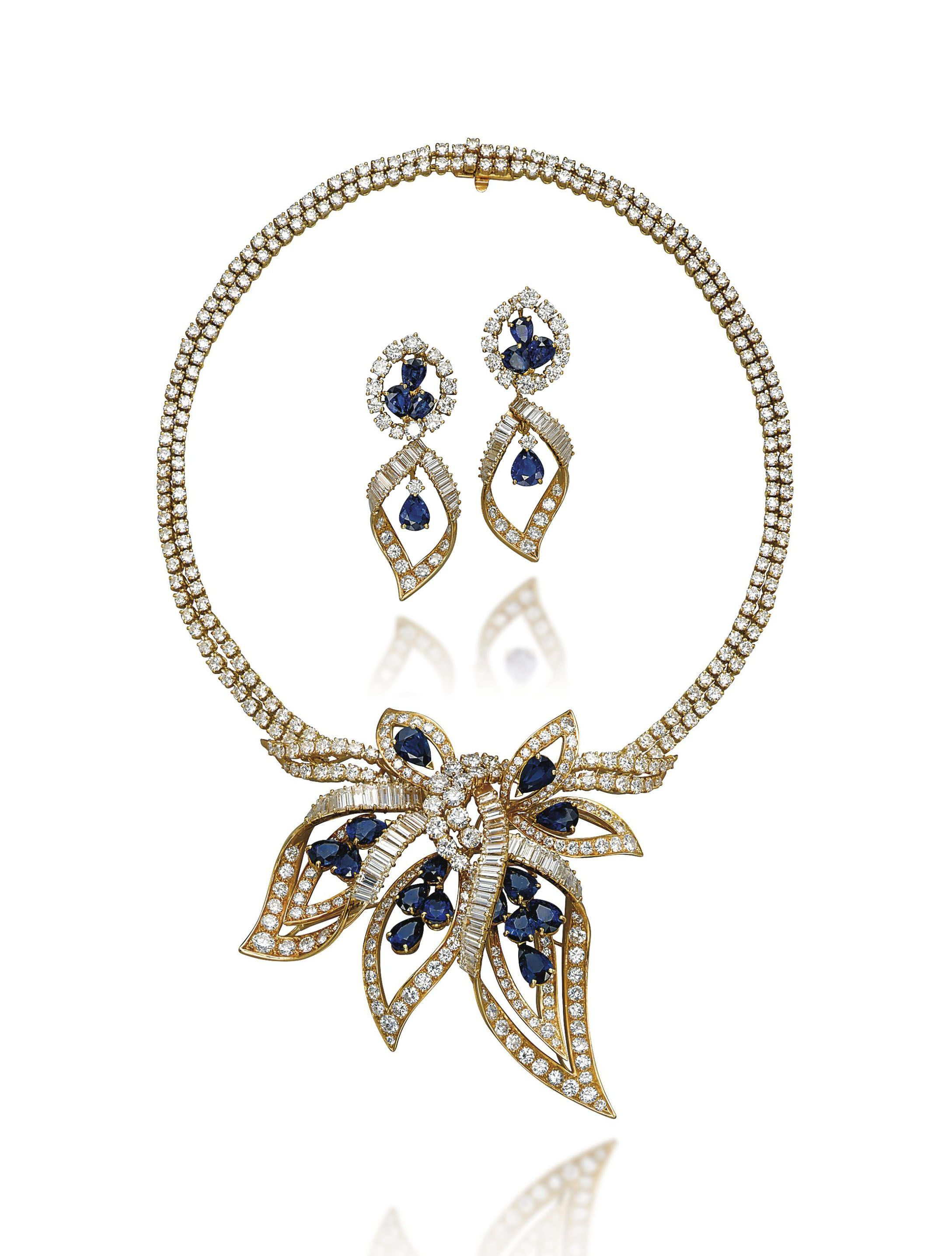 A set of sapphire and diamond jewellery comprising a necklace