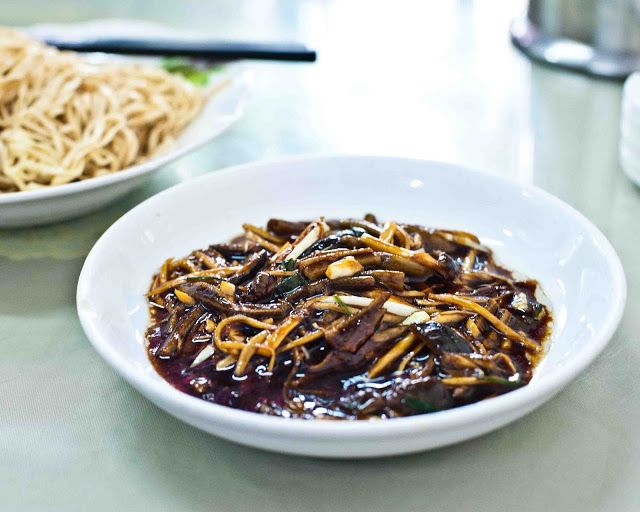 Life on Nanchang Lu: 'Cold Wontons' Noodle Shop - One of Shanghai's Best Noodle Joints
