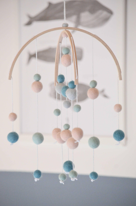Fil De Peche Rose mobile boules de laine rose poudré et bleu pour enfants et