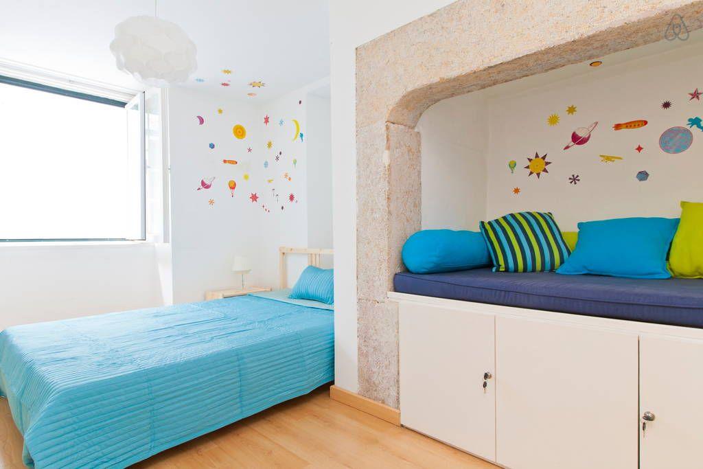 Veja este anúncio incrível na Airbnb: Spacious 2bd Ap @Baixa heart Lisbon - Apartamentos para Alugar