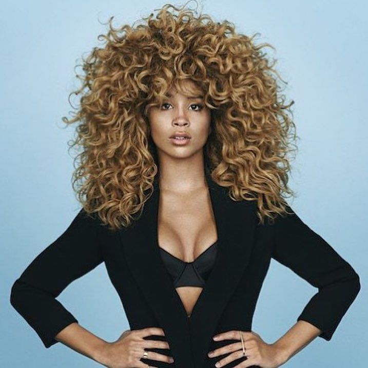 Beautiful! @maneaddicts #hairoil #hairvitamins #hairjourney #curlyhair #longhair #shedavi #natural #hairgoals #beautifulhair #blackbeauty #blackgirllonghair #naturalista #haircare #longhairdontcare #naturalhair #protectivestyles by shedavi_