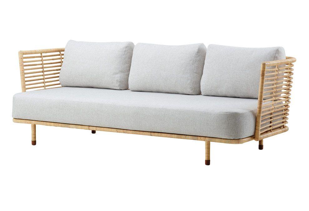Canapé 3 places en rotin naturel ou en rotin peint en blanc, fabriqué à la main artisanalement. Avec des coussins d'assise ou de…