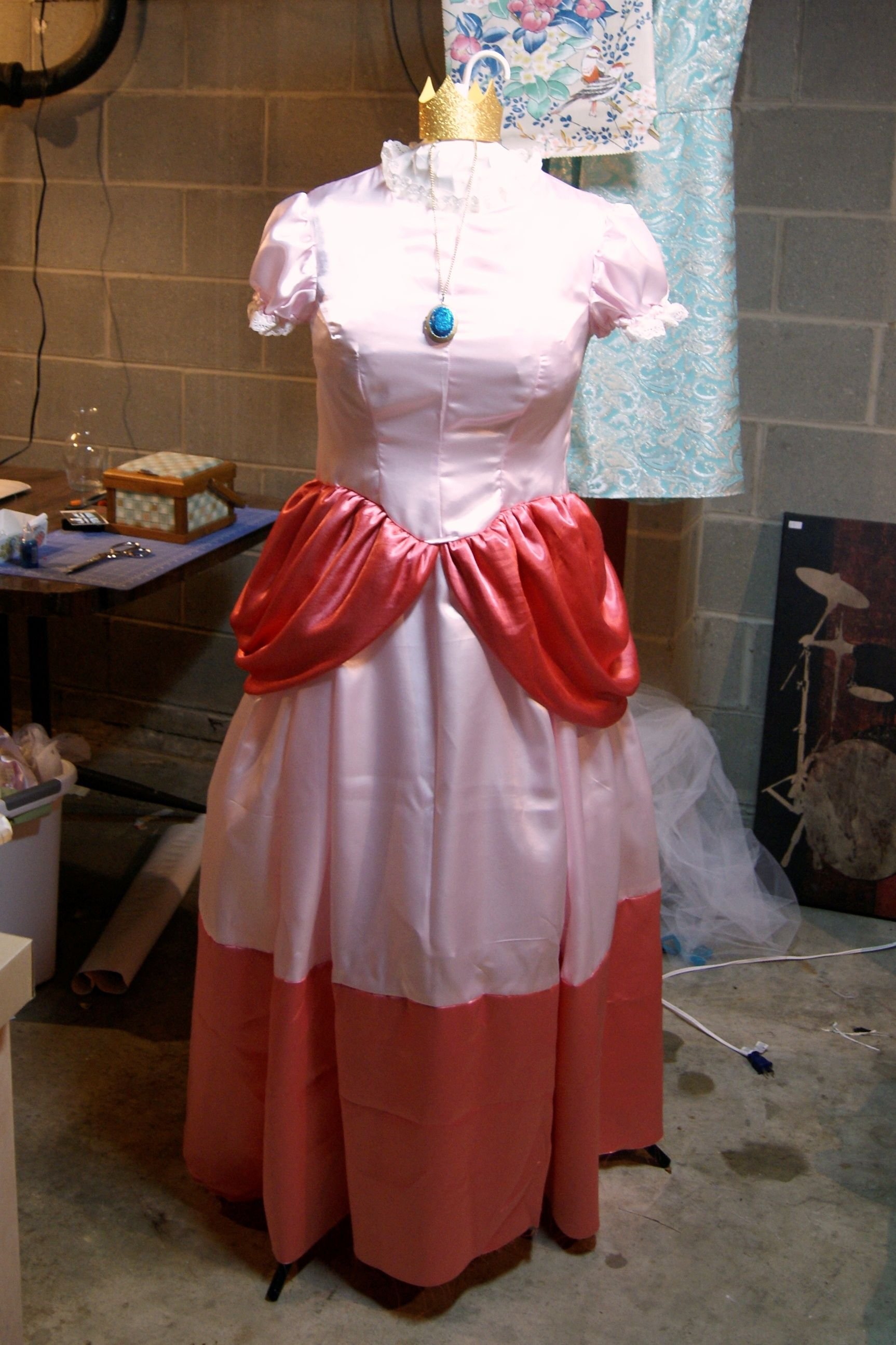 Halloween costume - Princess Peach! A slightly altered Simplicity 2813 (I raised the neckline added lace to the arms and neck and color-blocked the skirt. & Halloween costume - Princess Peach! A slightly altered Simplicity ...