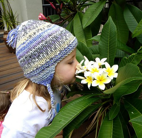 A quick and easy earflap hat pattern for babies and ...