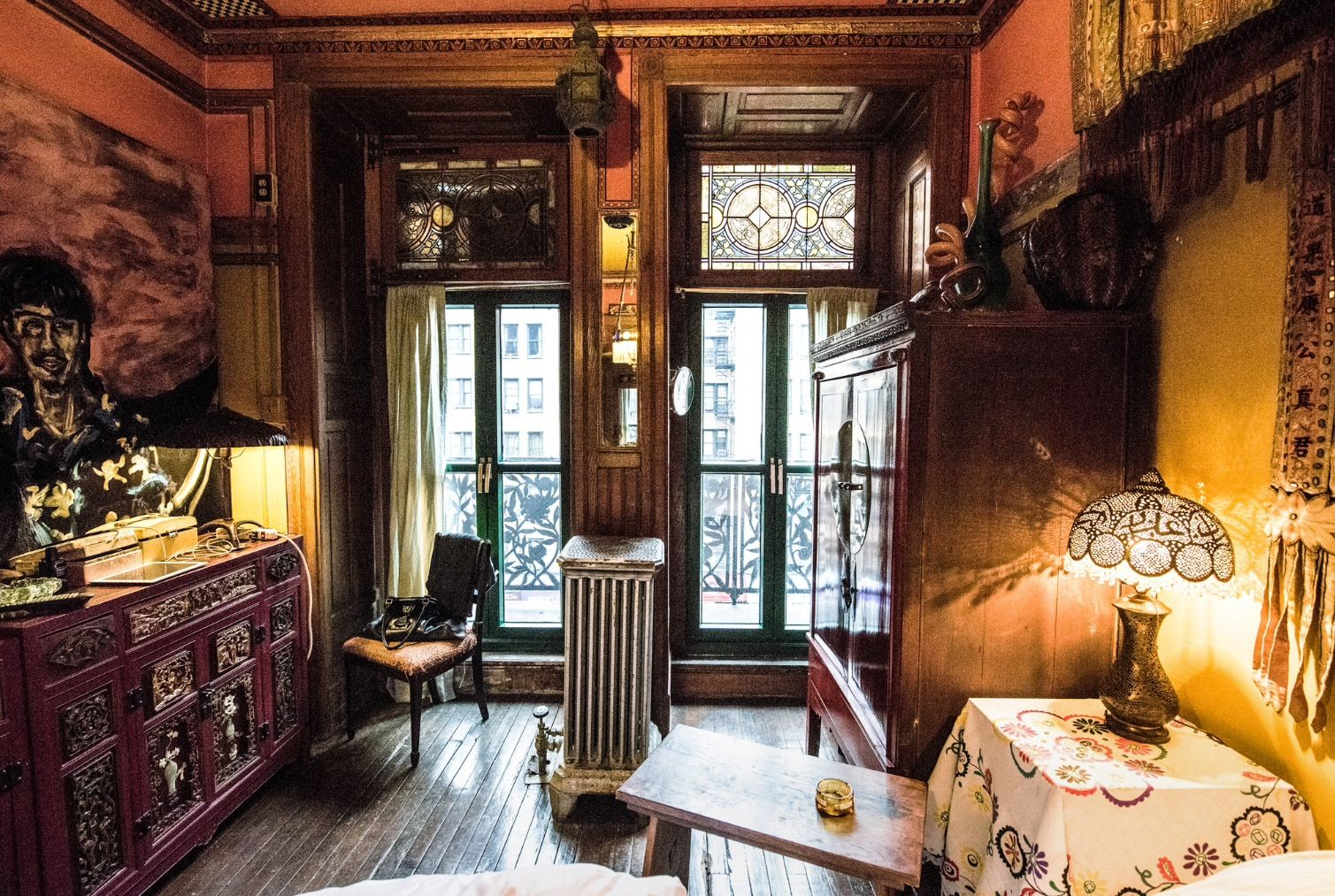 Suzanne Lipschutz Chelsea Hotel Apartment From New York Times