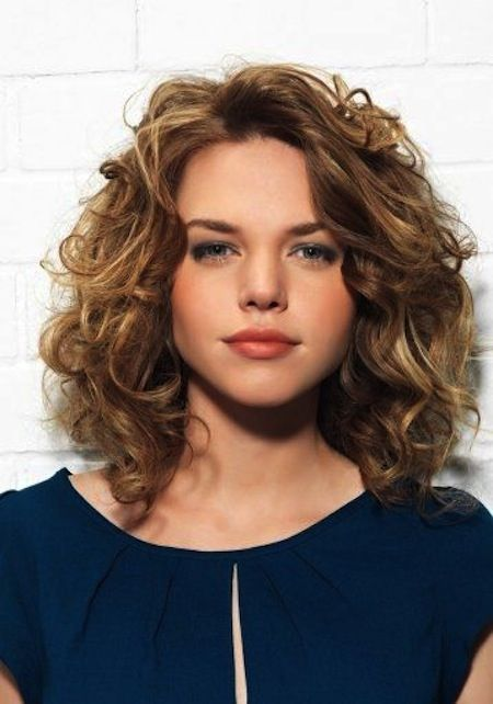 Hairstyles For Medium Length Hair Pleasing 20 Layered Hairstyles For Curly Medium Length Hair Pictures  Hair