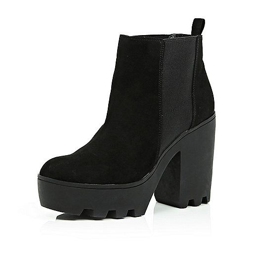 33d52cc58aa Black cleated sole Chelsea boots - chelsea boots - shoes / boots ...