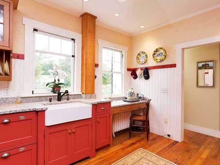 Nice cupboards, though I would want a different color; n do I want a farmhouse sink?   Tour A Charming Tokeneke Connecticut Cottage