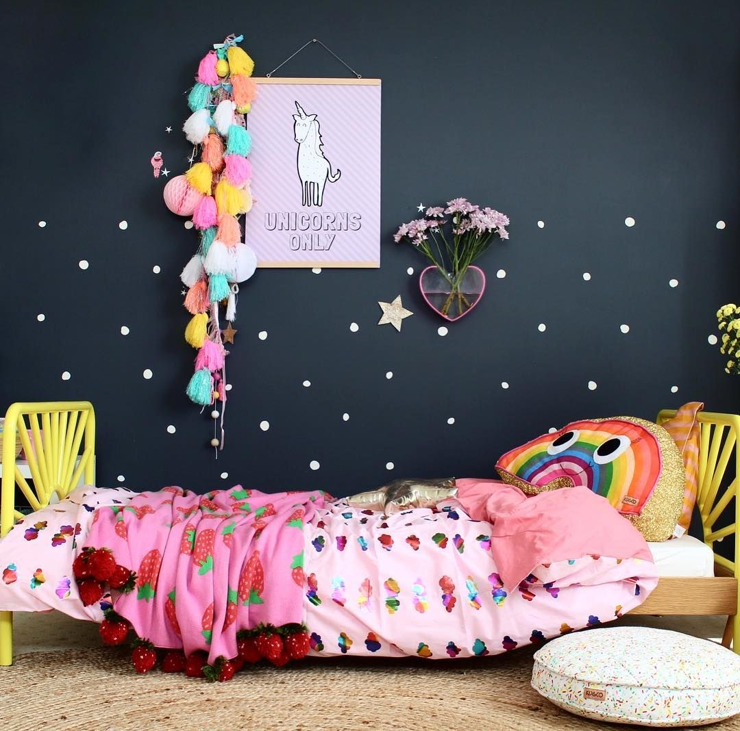 Rainbow Bedroom: Toddler Bedroom With Rainbows And