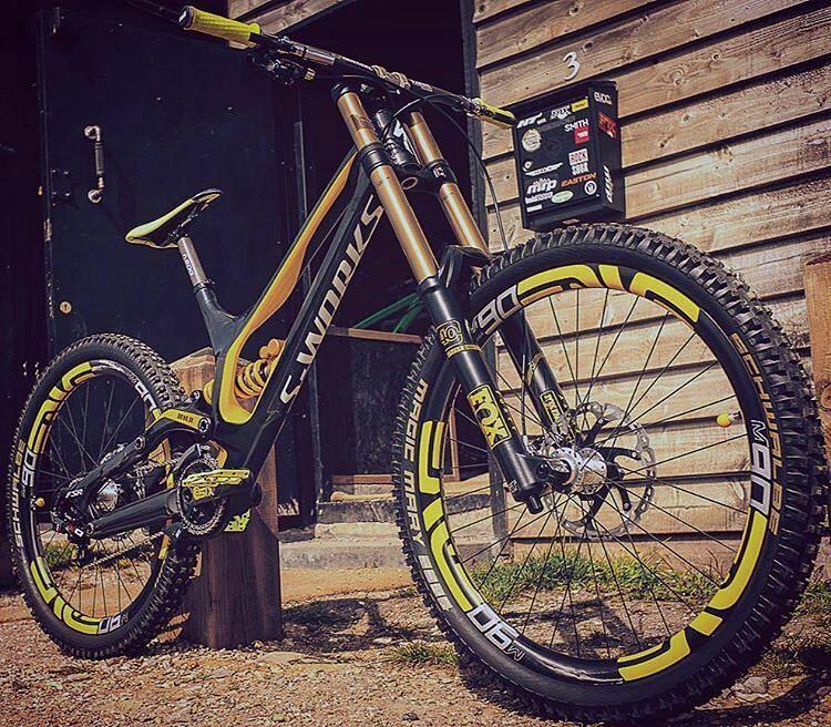 Bike : Sworks Demo 8 -Fox 40 Float Fork -Öhlins txt Rear