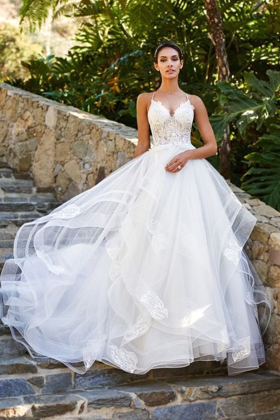 20 Tips For A Flawless Wedding Dress Shopping Experience | Moonlight ...