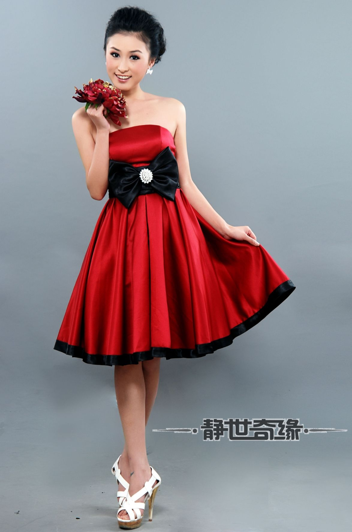 Vestidos de noche cortos de color rojo