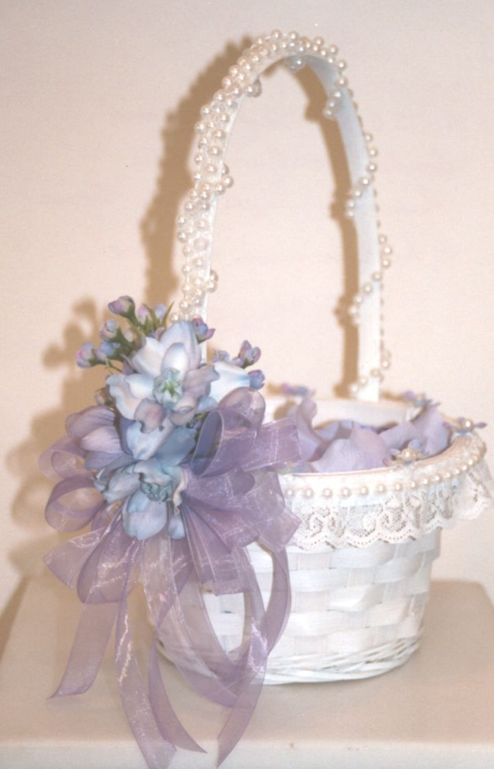 Love The Pearls Bouquets And Flowers Pinterest Flower Girl