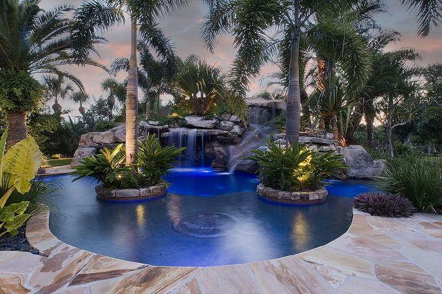 A Heinsler Front Backyard Pool Pool Landscaping Custom Pools