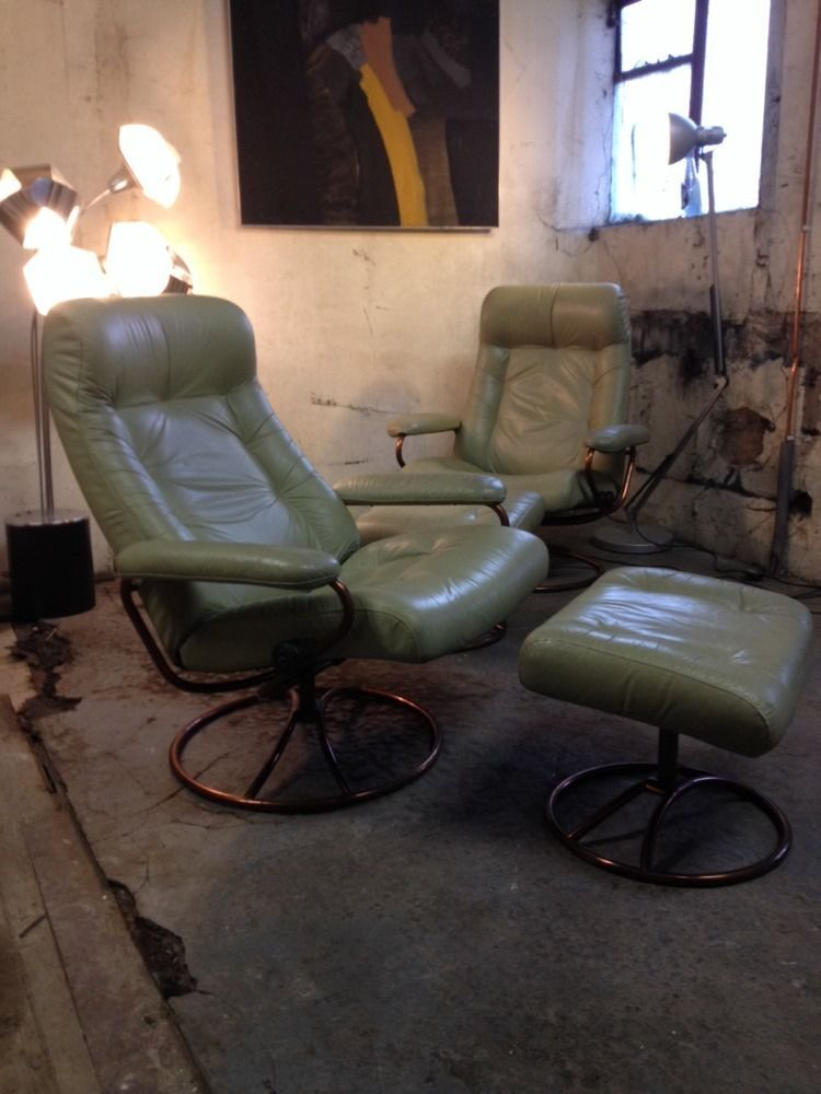 EKORNES STRESSLESS Vintage 1970s Leather Revolving Reclining Chair And Foot  Rest