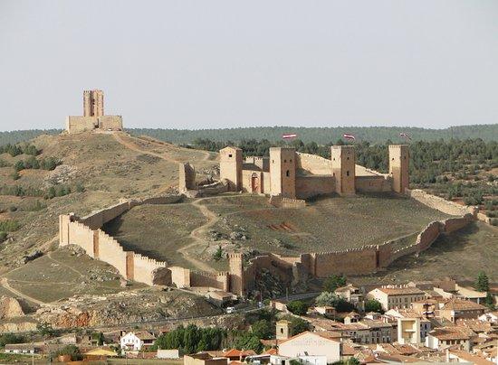Molina De Aragon Conjunto Castillo Y Murallas Castillo De Molina Castillos Paisajes De España