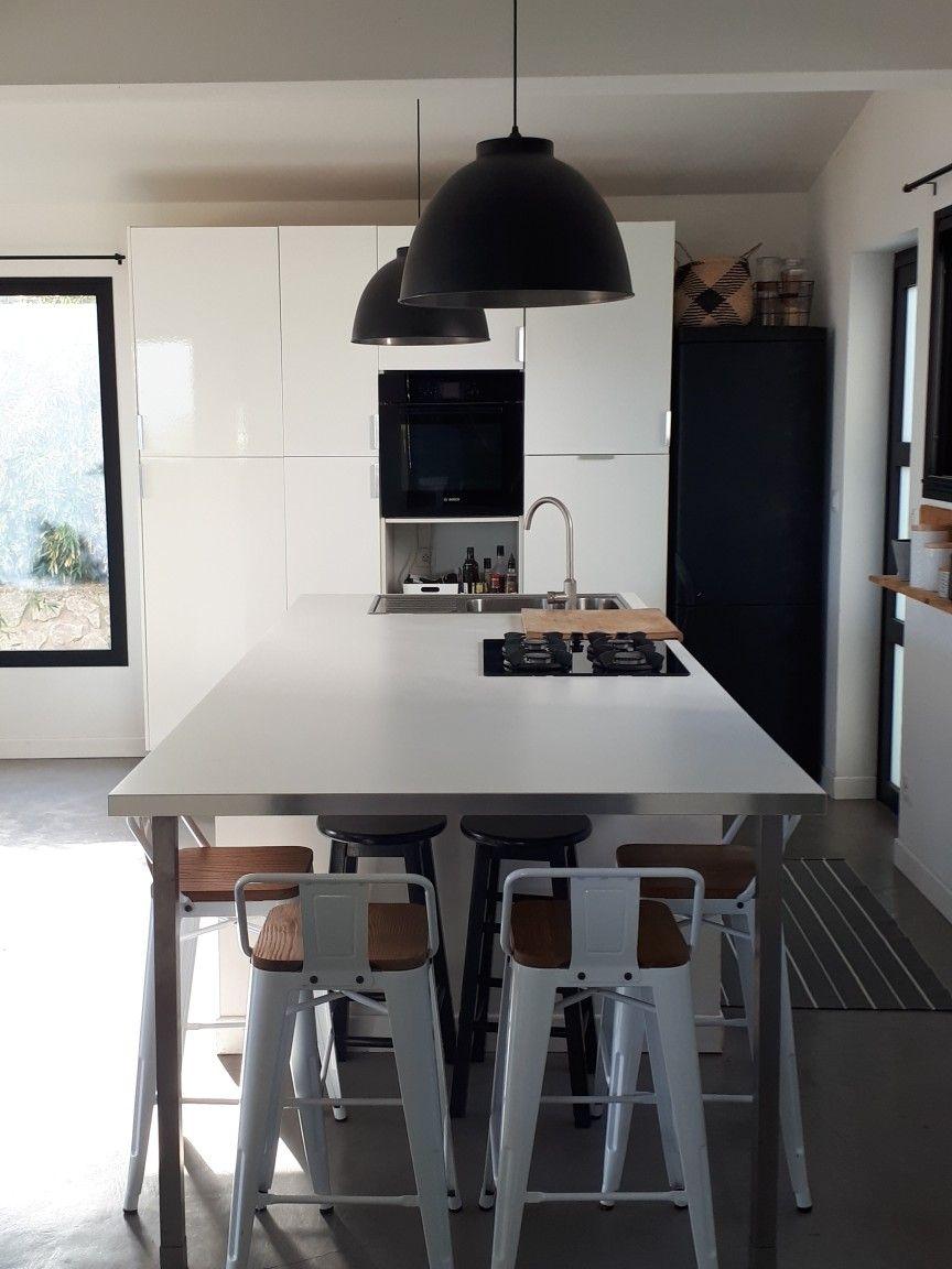 Cuisine Îlot central noir/blanc Île de la Réunion  Home