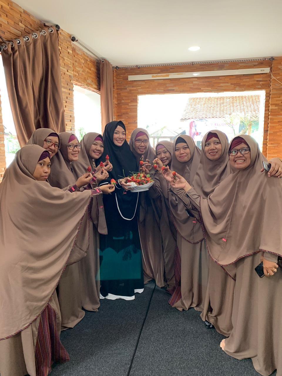 Baju Coklat Susu Cocok Dengan Jilbab Warna Apa