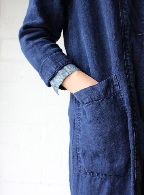esby apparel indigo linen duster pocket close up.jpg
