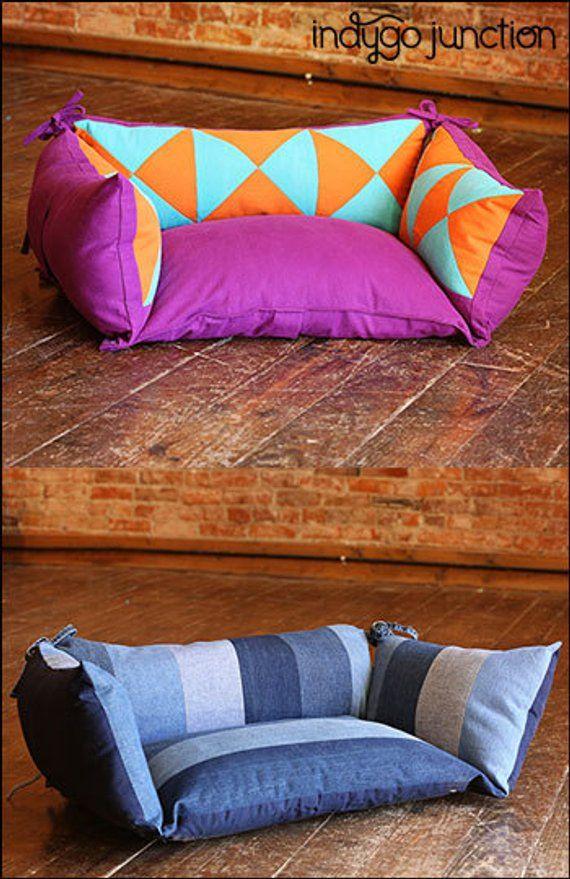 Ähnliche Artikel wie Zusammengestückelt Pet Kissen PDF nähen Epattern - Hund oder Katze Bett erstellt aus recyceltem Denim oder neuen Stoff mit abnehmbaren Deckel für einfache Reinigung auf Etsy
