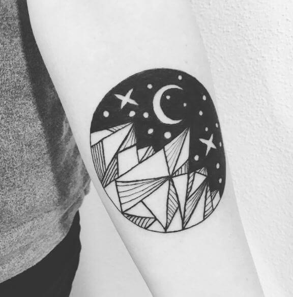 Blutmond Tattoo