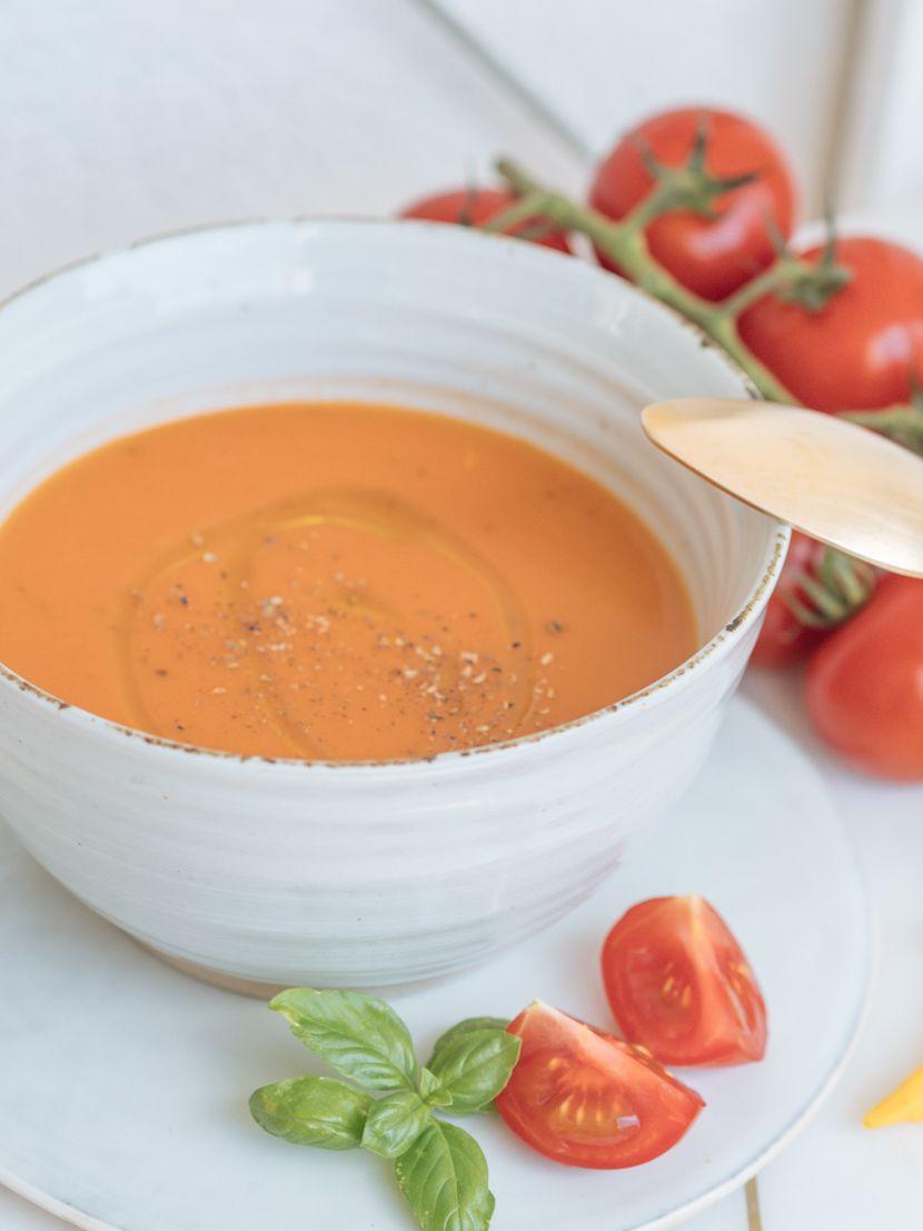 Gazpacho – kalte Gemüsesuppe für heiße Sommertage #vegetarischerezepteschnell
