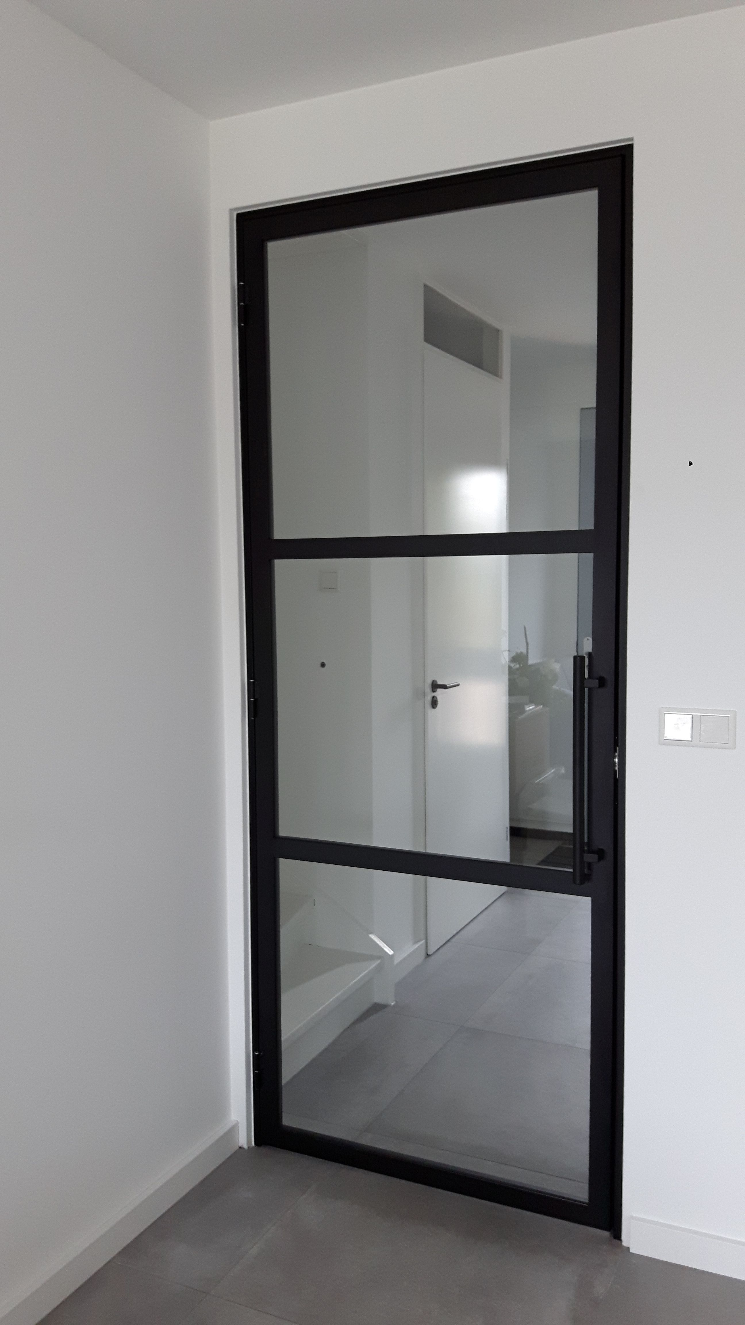Stalen deur (scharnier) met 3 vlakken en buisgreep - Mijn Stalen ...