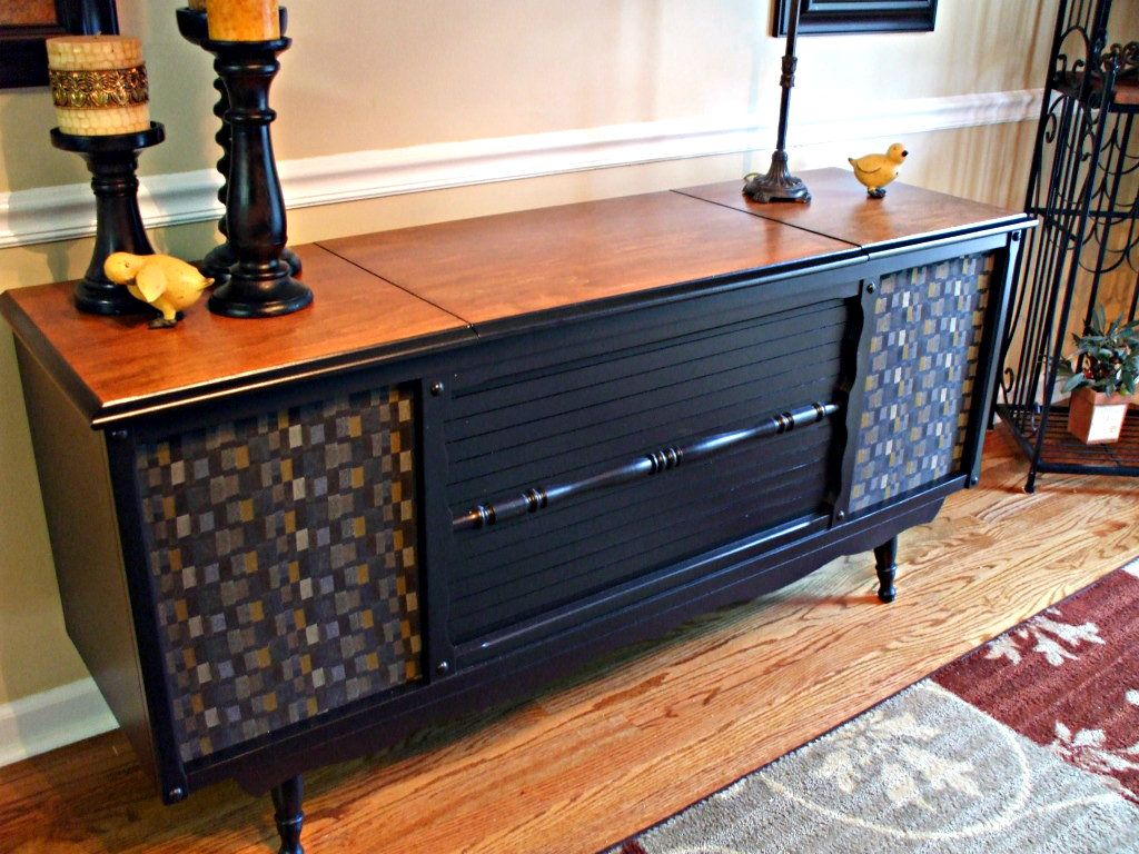 Mid 60 S Truetone Console Stereo These Unit S Were Sold At Western Auto Stores Back In The Vintage Stereo Cabinet Vintage Stereo Console Stereo Cabinet Redo
