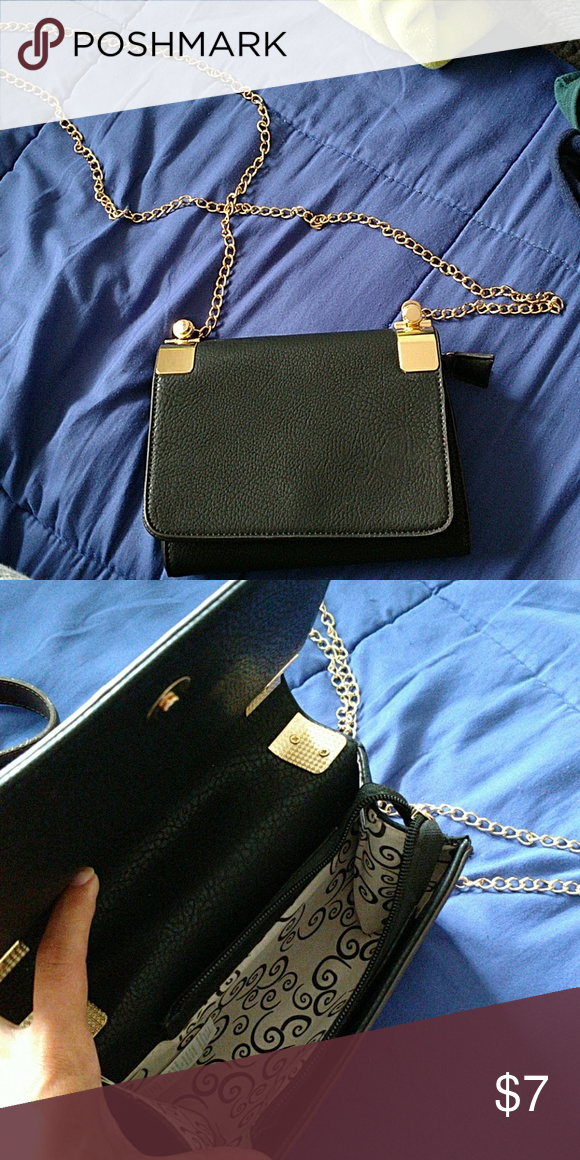 Crossbody bag Black Crossbody. I don't remember the brand. No scratches/scuffs. Bags Crossbody Bags